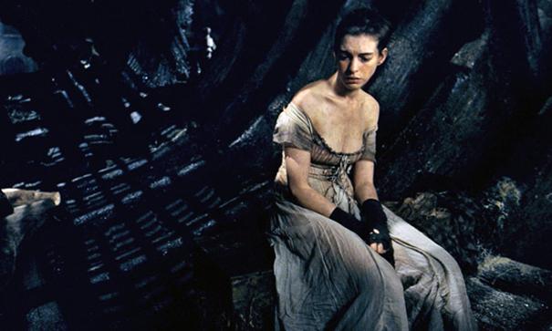 Los-Miserables-critica-Hathaway