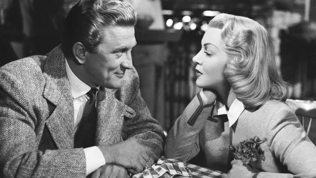 Kirk Douglas cumple 100 años, el viejo Hollywood sigue vivo.
